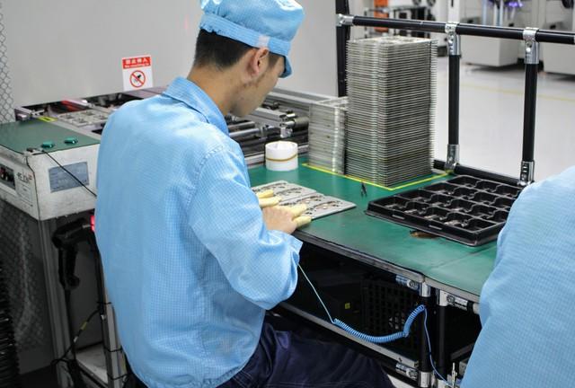 Tìm hiểu quy trình sản xuất smartphone R17 Pro sắp ra mắt của OPPO - Ảnh 4.