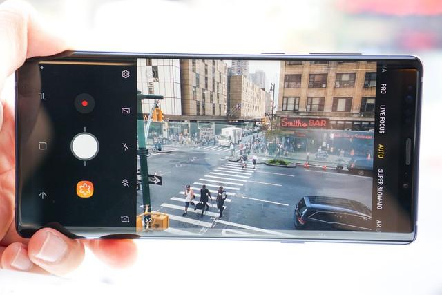Dám khẳng định người thuộc chủ nghĩa hay xê dịch đều thích dùng smartphone kiểu này - Ảnh 6.
