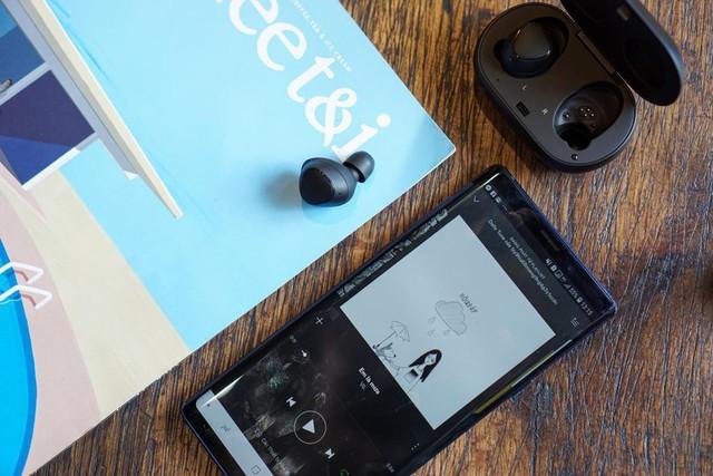 Dám khẳng định người thuộc chủ nghĩa hay xê dịch đều thích dùng smartphone kiểu này - Ảnh 7.