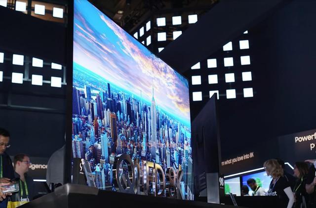 Chiêm ngưỡng tận mắt TV 8K 98 inch của Samsung: cực hạn hiển thị - Ảnh 2.