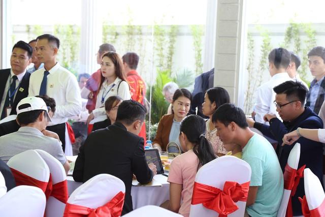 Những yếu tố nào khiến khách hàng đặt chỗ ngay trong ngày khai trương căn hộ mẫu Paris Hoàng Kim? - Ảnh 1.