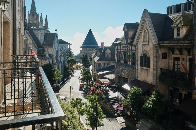"""Ngỡ lạc trôi tới trời Âu tại """"Khách sạn sang trọng hàng đầu châu Á cho kỳ nghỉ trăng mật"""" - Ảnh 2."""
