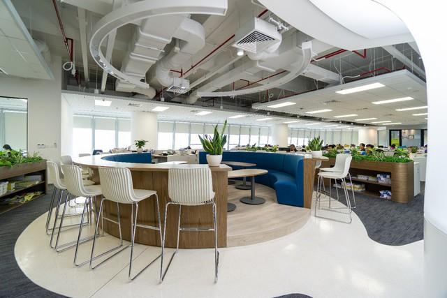 Văn phòng ứng dụng đa vật liệu nhẹ sáng tạo của tập đoàn Saint-Gobain - Ảnh 1.