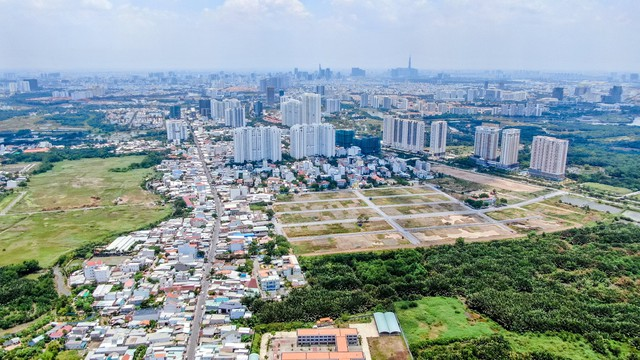 Tp.HCM ít nguồn cung, nhà đầu tư đổ về khu Nam Sài Gòn - Ảnh 1.