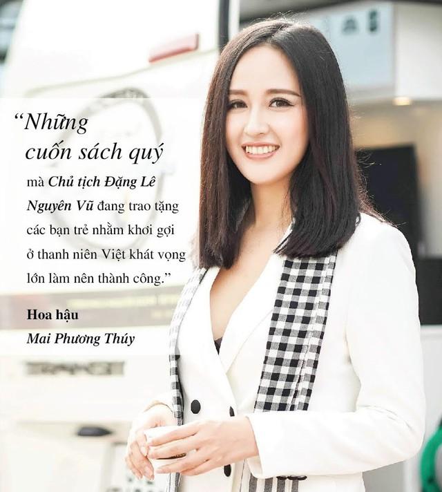 Những câu nói ấn tượng của người đẹp Việt khi tặng sách tại Đồng bằng Sông Cửu Long - Ảnh 4.