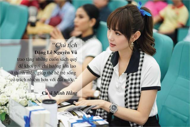 Những câu nói ấn tượng của người đẹp Việt khi tặng sách tại Đồng bằng Sông Cửu Long - Ảnh 8.