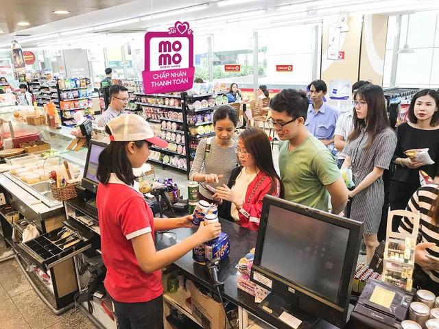 Xu hướng đi mua sắm chỉ cầm smartphone không cần tiền mặt lên ngôi - ảnh 5