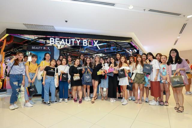 """Hơn 3.000 chị em hưởng ứng tuyên ngôn """"Đẹp bất chấp"""" cùng Beauty Box tại flagship store """"siêu hoành tráng"""" - Ảnh 5."""