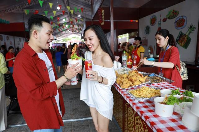 Mở rộng hoạt động tới tận thành phố Vinh, Coca-Cola biến Lễ hội Ẩm thực thành một xu hướng của giới trẻ cả nước - Ảnh 8.