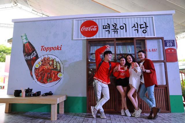 Mở rộng hoạt động tới tận thành phố Vinh, Coca-Cola biến Lễ hội Ẩm thực thành một xu hướng của giới trẻ cả nước - Ảnh 10.