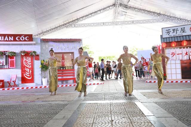 Mở rộng hoạt động tới tận thành phố Vinh, Coca-Cola biến Lễ hội Ẩm thực thành một xu hướng của giới trẻ cả nước - Ảnh 11.