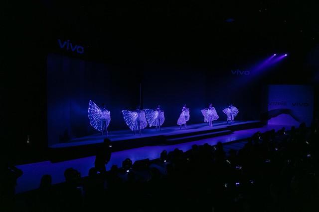 Vivo V17 Pro chinh phục Noo Phước Thịnh và dàn fashionista Việt ngay khi ra mắt với thông điệp mới lạ - ảnh 2