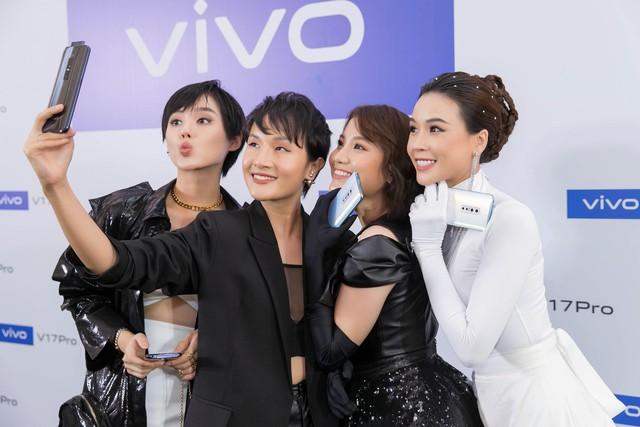 Vivo V17 Pro chinh phục Noo Phước Thịnh và dàn fashionista Việt ngay khi ra mắt với thông điệp mới lạ - ảnh 13