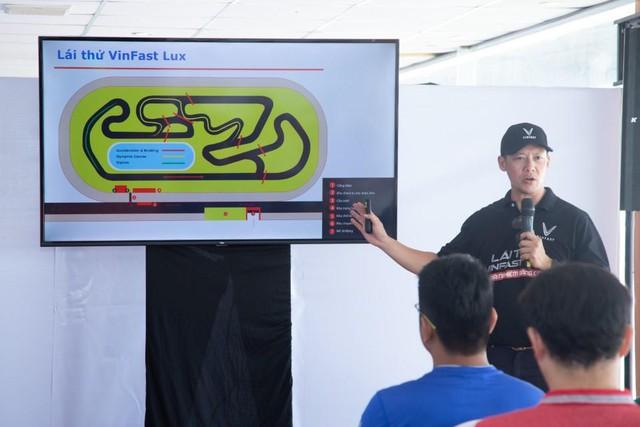 """VinFast LUX đem đến trải nghiệm """"cực đã"""" cho khách miền Nam qua 3 bài lái từ chuyên  gia quốc tế - Ảnh 2."""