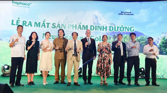 Một hãng dược uy tín hàng đầu Việt Nam đã tiên phong kiểm định chất lượng nguồn sữa thiên nhiên từ New Zealand - Ảnh 2.