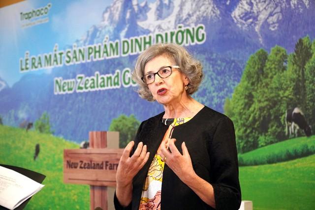Một hãng dược uy tín hàng đầu Việt Nam đã tiên phong kiểm định chất lượng nguồn sữa thiên nhiên từ New Zealand - Ảnh 1.