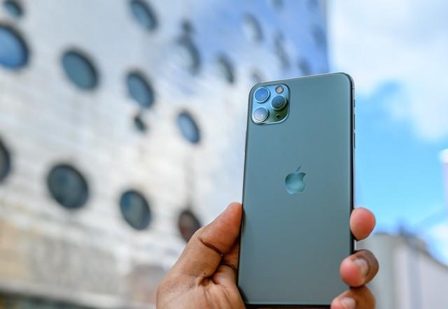 Bộ ba iPhone 11 tại Thế Giới Di Động ghi nhận số đặt trước gấp 3 lần năm ngoái - Ảnh 1.