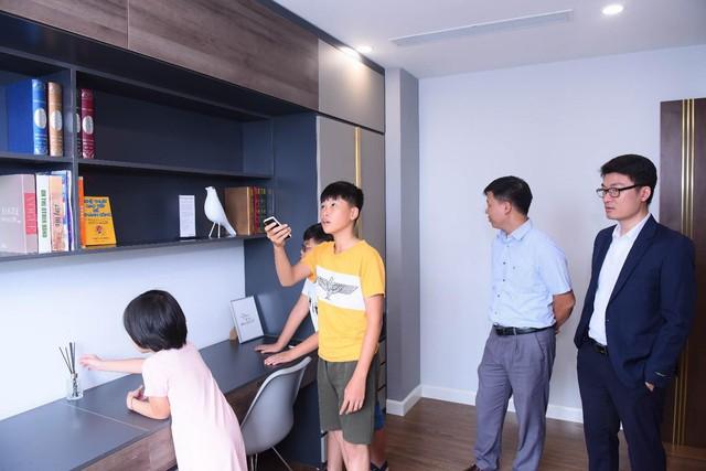Trải nghiệm công nghệ 4.0 tại căn hộ mẫu của Sunshine Center - Ảnh 2.