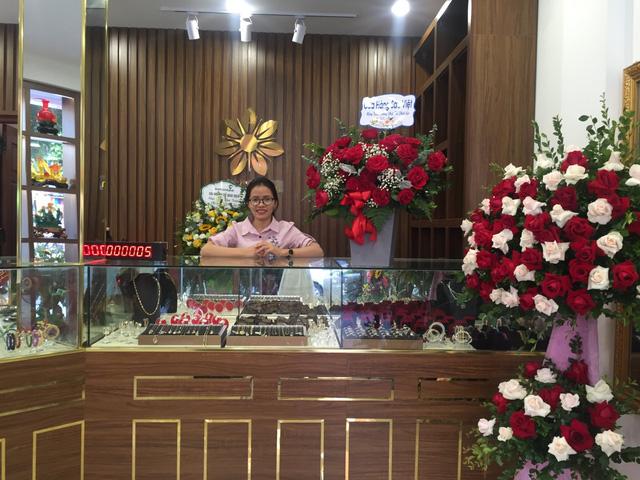 Cencon Việt Nam khai trương cửa hàng chuyên doanh vàng và đá quý thứ 5 tại Hà Nội - Ảnh 1.