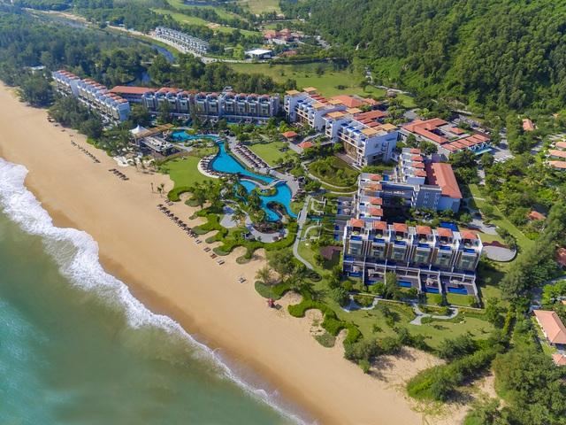 Lăng Cô đóng góp nhiều khu nghỉ dưỡng sang trọng bậc nhất châu Á - Ảnh 1.