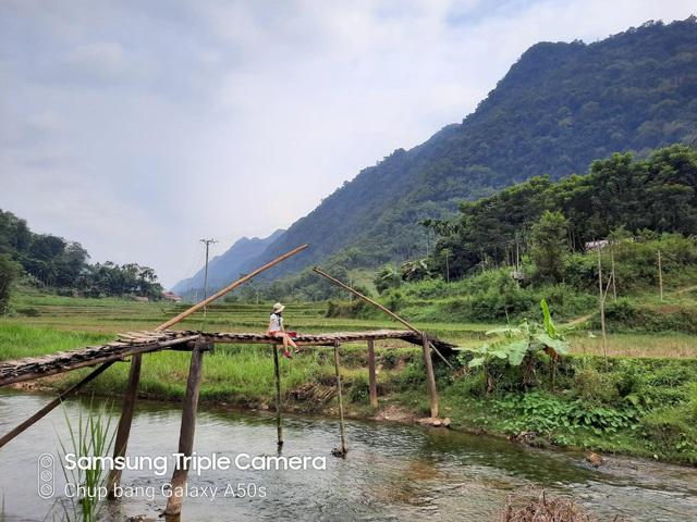 Tự tin chụp hết Việt Nam mình chỉ với một chiếc điện thoại giá 7 triệu - Ảnh 1.