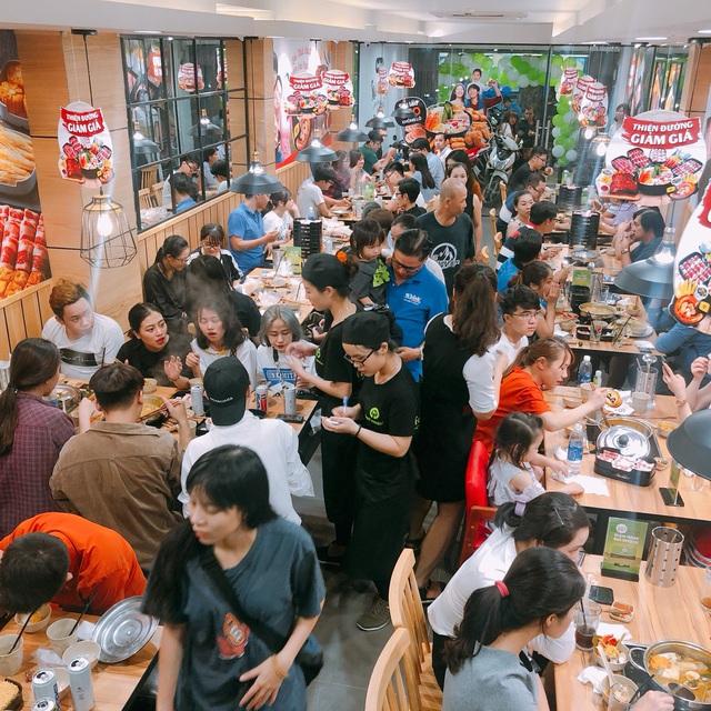 Food Center: Từ hàng quán vỉa hè đến thương hiệu lẩu triệu đô dành cho người Việt - Ảnh 1.