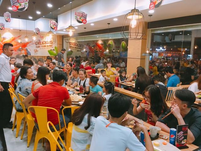 Food Center: Từ hàng quán vỉa hè đến thương hiệu lẩu triệu đô dành cho người Việt - Ảnh 3.