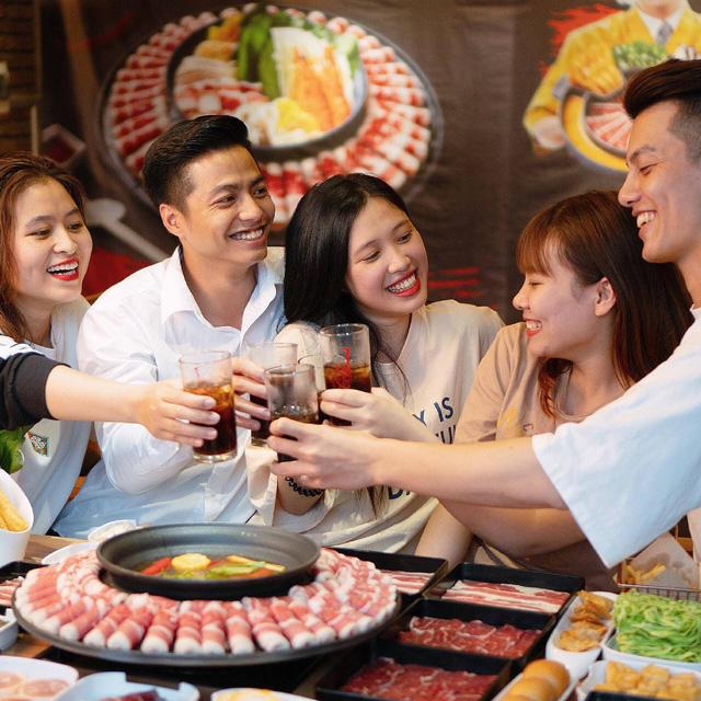 Food Center: Từ hàng quán vỉa hè đến thương hiệu lẩu triệu đô dành cho người Việt - Ảnh 4.