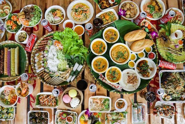 """Giới trẻ Sài thành đổ xô đi tìm """"vị mùa thu"""" tại Lễ hội Ẩm thực châu Á - ảnh 2"""
