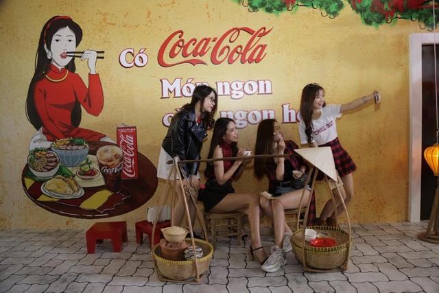 """Giới trẻ Sài thành đổ xô đi tìm """"vị mùa thu"""" tại Lễ hội Ẩm thực châu Á - ảnh 8"""