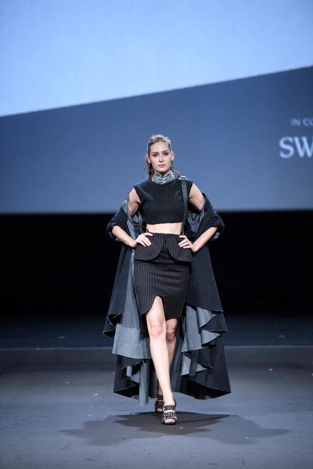 Nhà thiết kế Việt Nam đoạt giải cao trong cuộc thi Thiết kế thời trang châu Á tại Singapore - ảnh 4
