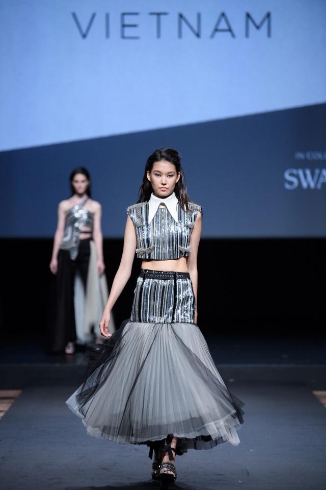 Nhà thiết kế Việt Nam đoạt giải cao trong cuộc thi Thiết kế thời trang châu Á tại Singapore - ảnh 5