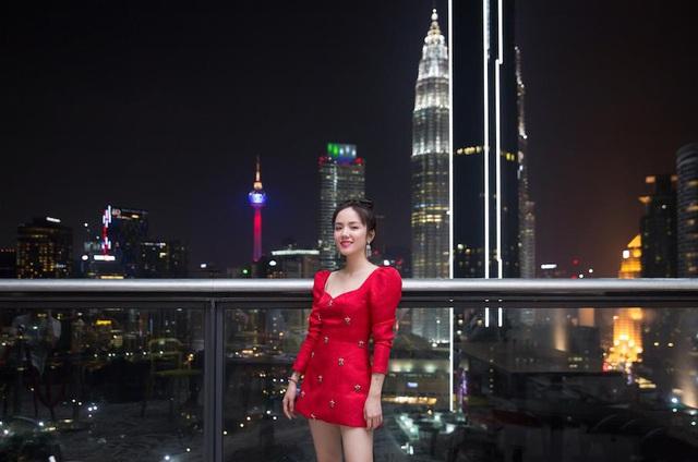 Hé lộ hết các điểm đến cực chất ở Malaysia trong MV mới của Phương Ly - Ảnh 9.