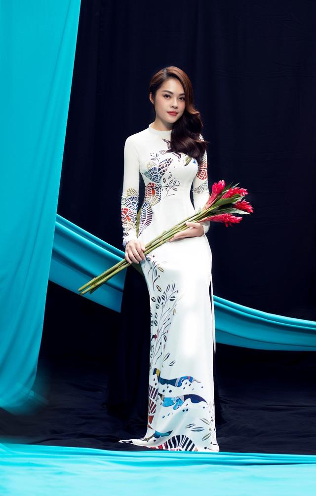 Thúy Ngân, Dương Cẩm Lynh dịu dàng khoe sắc trong BST Ước Mơ - Thái Tuấn - ảnh 2