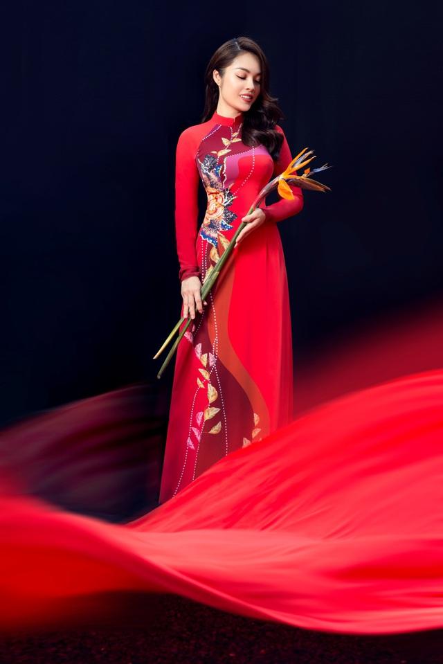 Thúy Ngân, Dương Cẩm Lynh dịu dàng khoe sắc trong BST Ước Mơ - Thái Tuấn - ảnh 3