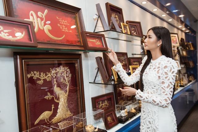 Prima Art đồng hành cùng Hoàng Thùy chinh phục Miss Universe 2019 - Ảnh 2.