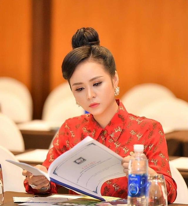 """Doanh nhân Bùi Thanh Hương: """"Người Việt Nam cần phải ưu tiên dùng hàng Việt Nam"""" - Ảnh 1."""