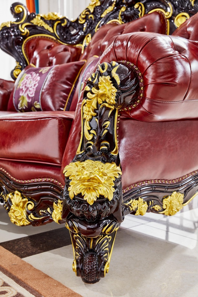 Ra mắt bộ sofa dát vàng kích thước khủng chưa từng có - Ảnh 2.