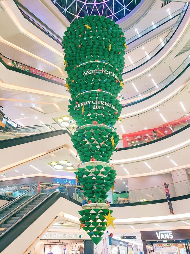 Black Friday sale trở lại Vạn Hạnh Mall - bùng nổ hơn, giảm giá sâu hơn - Ảnh 4.