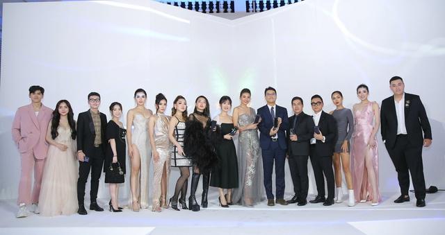 Màn ra mắt Galaxy Fold tại Việt Nam: Không chỉ là sự kiện công nghệ mà còn là buổi tiệc xa hoa bậc nhất - Ảnh 1.