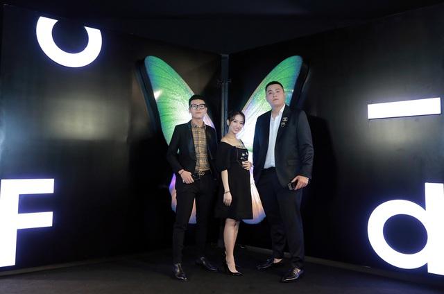 Màn ra mắt Galaxy Fold tại Việt Nam: Không chỉ là sự kiện công nghệ mà còn là buổi tiệc xa hoa bậc nhất - Ảnh 2.