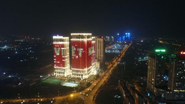 """Sunshine Group """"bão xuyên màn đêm"""" mừng ĐT Việt Nam lần đầu tiên vô địch SEA Games - Ảnh 1."""