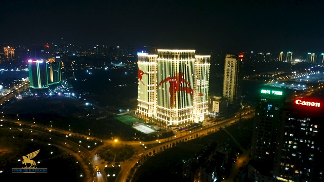 """Sunshine Group """"bão xuyên màn đêm"""" mừng ĐT Việt Nam lần đầu tiên vô địch SEA Games - Ảnh 3."""