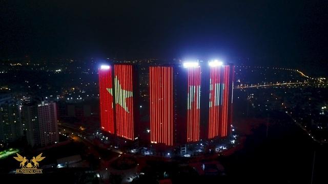 """Sunshine Group """"bão xuyên màn đêm"""" mừng ĐT Việt Nam lần đầu tiên vô địch SEA Games - Ảnh 5."""