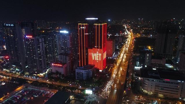 """Sunshine Group """"bão xuyên màn đêm"""" mừng ĐT Việt Nam lần đầu tiên vô địch SEA Games - Ảnh 9."""