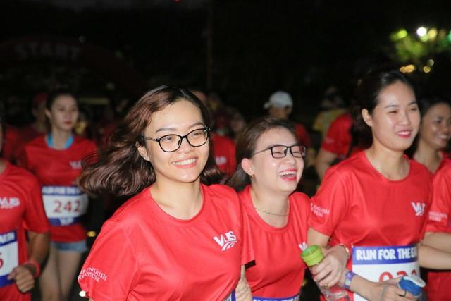 Tập thể gần 1.000 nhân viên VUS chạy bộ vì môi trường - Ảnh 2.