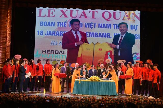 Thương hiệu nào đứng sau Trang phục của Đoàn thể thao Việt Nam tại Sea Games 30 - Ảnh 2.