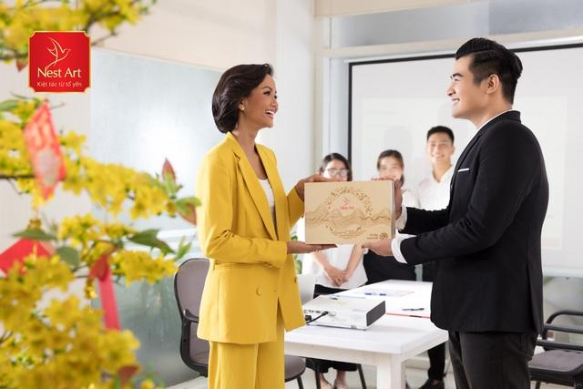 Quà Tết doanh nghiệp, bí mật dẫn lối thành công - Ảnh 2.