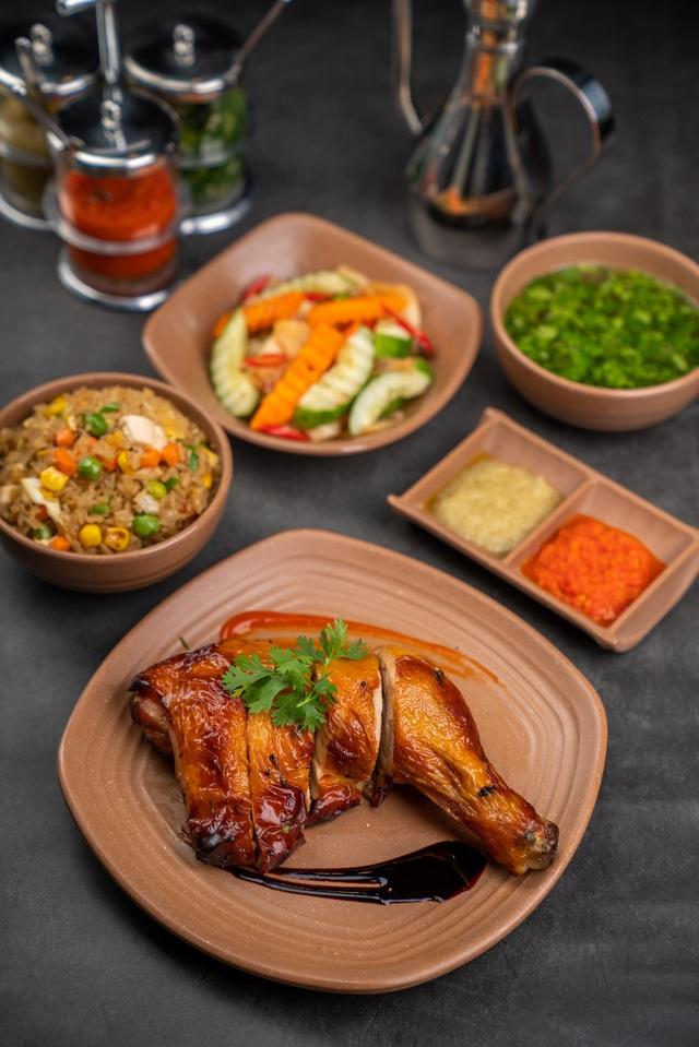 Trời trở lạnh, tụ tập đầu tháng ăn cơm gà Hải Nam lạ miệng, thơm ngon nhưng không hề ngán! - Ảnh 2.