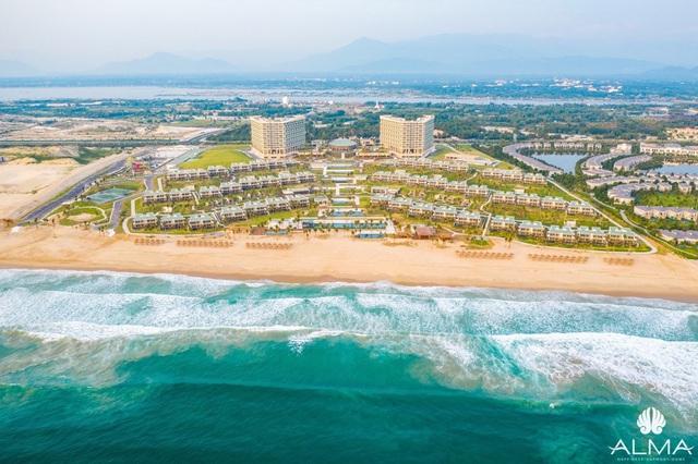 Resort view biển 5 sao gần sân bay Cam Ranh chuẩn bị vận hành - Ảnh 1.